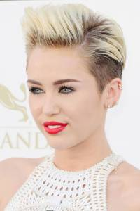 pixie-cut-miley-cyrus-