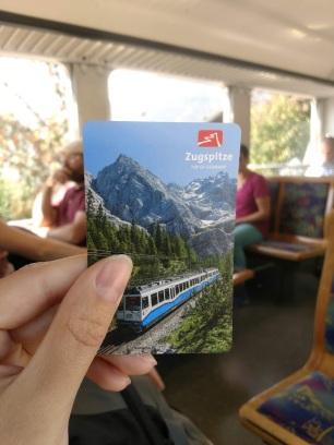 ticket váido para o trem cremalheira e teleférico